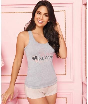 Pijama-blusa-estampada-corazon-short-gris-rosado-sexy-mujer-sensual