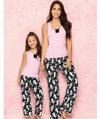 Pijama-pantalón-largo-estampado-comodo-blusa-sexy-detalle-escote-rosa-negro-unicornio-mujer-sensual