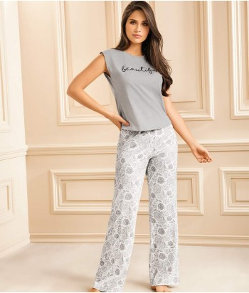 Pijama-pantaón-largo-estampado-blusa-manga-rodada-chica-sexy-mujer-sensual-gris