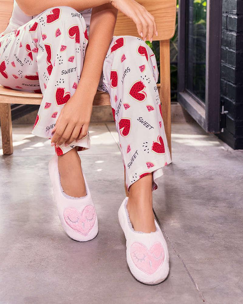 Pijamas, baby doll, ropa interior, vestidos de baño, ropa casual, pijamas infantiles todo esto y más lo encuentras en tupijama.com